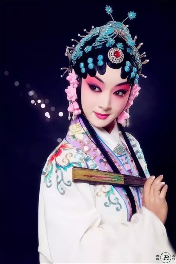 传统戏曲花旦靓丽扮相欣赏,各个都是大美女