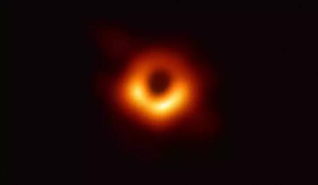 十问黑洞处女秀首照就是真容吗为何模糊