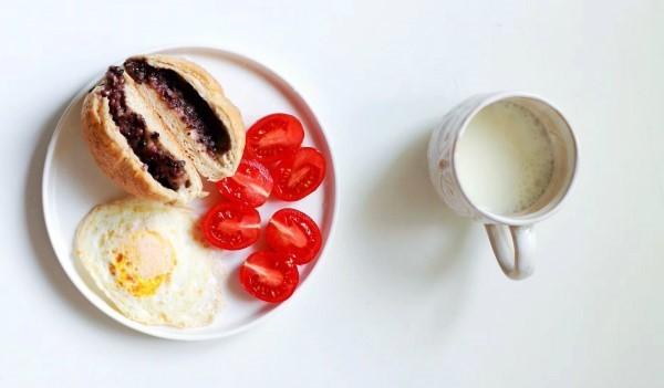 牛奶、香蕉,真的不能空腹时食用吗?